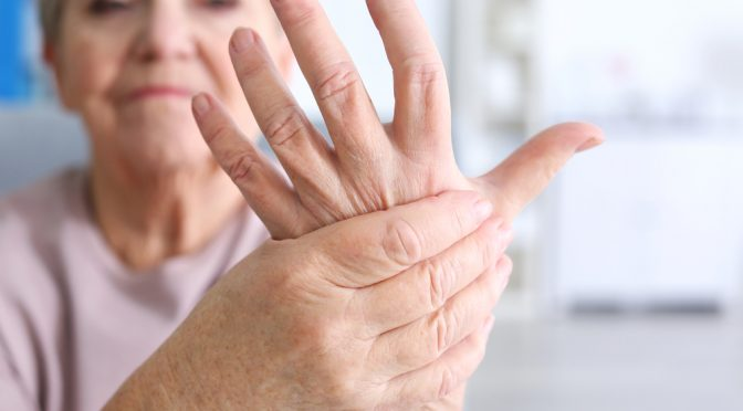 Rheumatoid Arthritis Symptoms and Early Signs